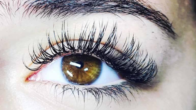 Eyelashes 19