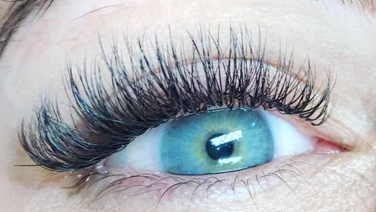 Eyelashes 22